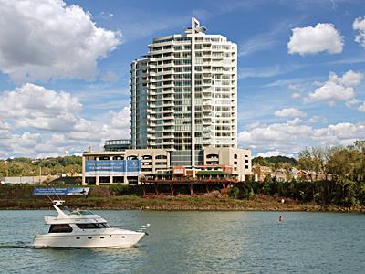 400 Riverboat Row NA, 701