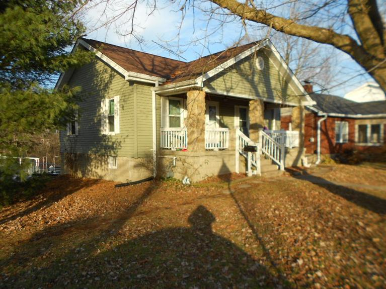 real estate photo 1 for 530 Kentaboo Ave Florence, KY 41042