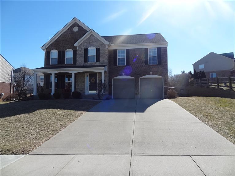 real estate photo 1 for 7130 Thornwood Ln Florence, KY 41042