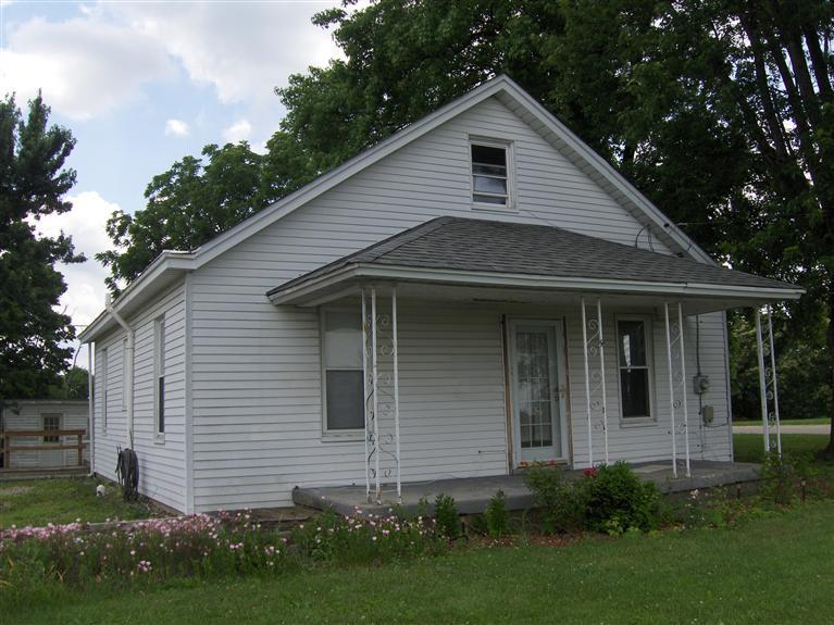 real estate photo 1 for 306 Falmouth St Williamstown, KY 41097