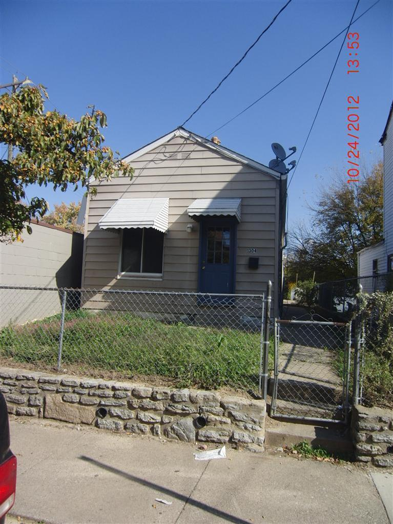 real estate photo 1 for 1304 Banklick St Covington, KY 41011