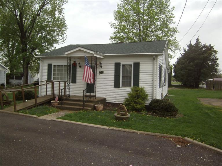 real estate photo 1 for 211 Morton Ave Warsaw, KY 41095