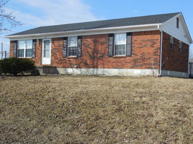 real estate photo 1 for 201 N Rhonda Dr Falmouth, KY 41040