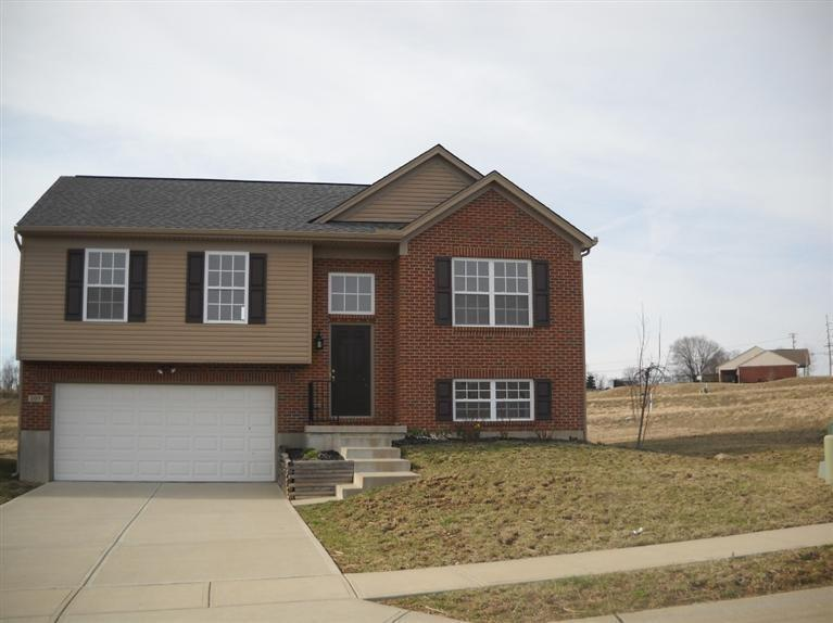 real estate photo 1 for 107 Keeneland Dr Williamstown, KY 41097