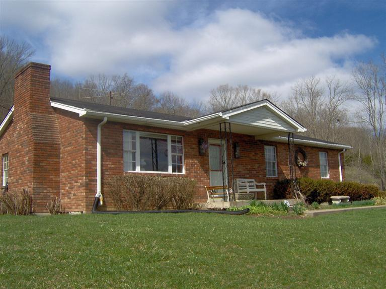 real estate photo 1 for 93 Cochran Dr Foster, KY 41043
