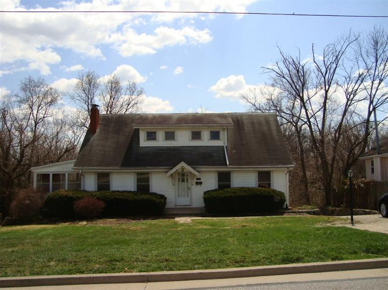 real estate photo 1 for 1113 Cecelia Ave Park Hills, KY 41011