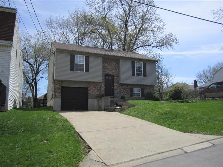 real estate photo 1 for 220 Dell St Elsmere, KY 41018