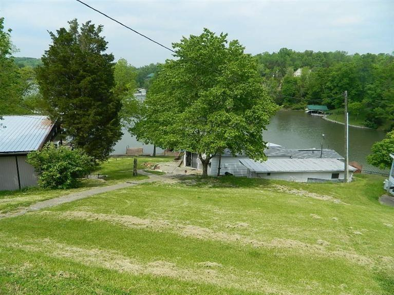 real estate photo 1 for 880 Summer Dr Williamstown, KY 41097