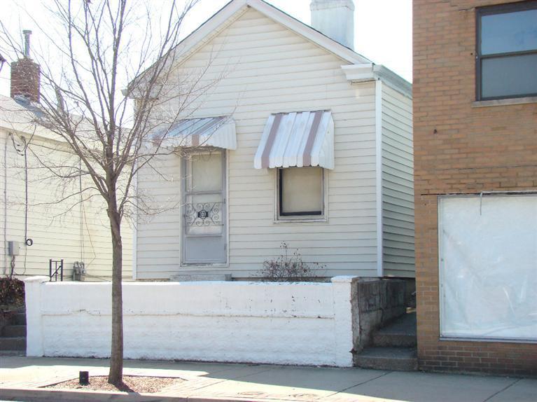 309 Elm St