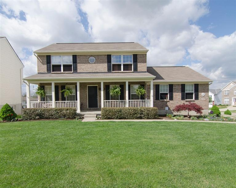 real estate photo 1 for 225 University Dr Walton, KY 41094