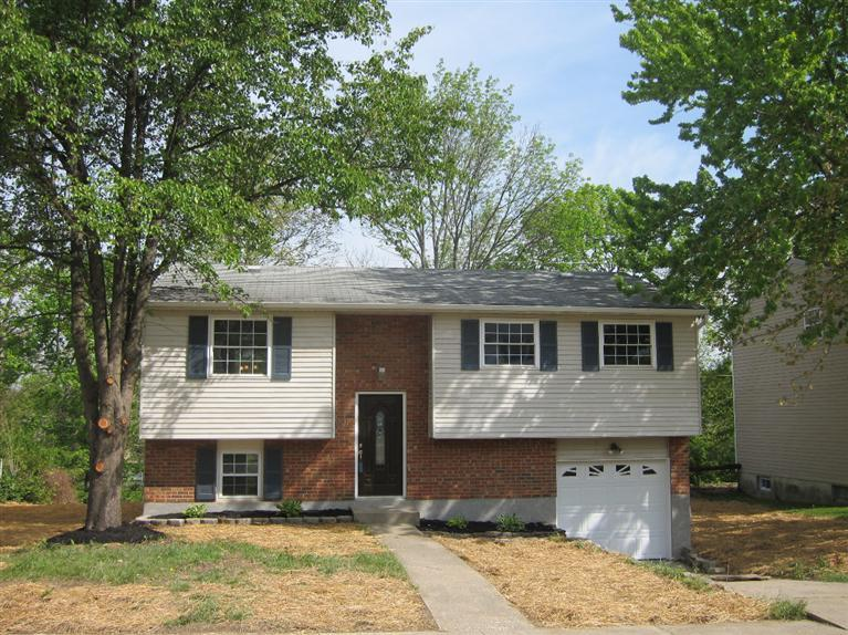 real estate photo 1 for 3016 Featherstone Dr Burlington, KY 41005