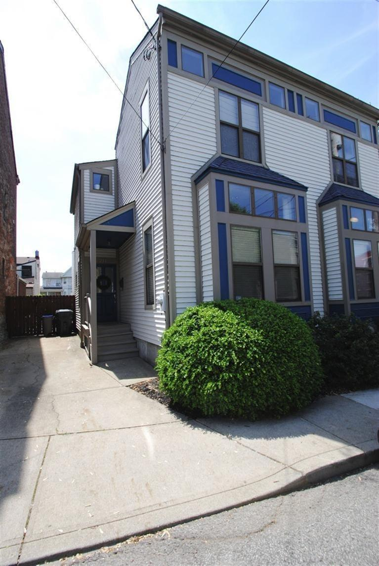 real estate photo 1 for 211 W 6th St Covington, KY 41011