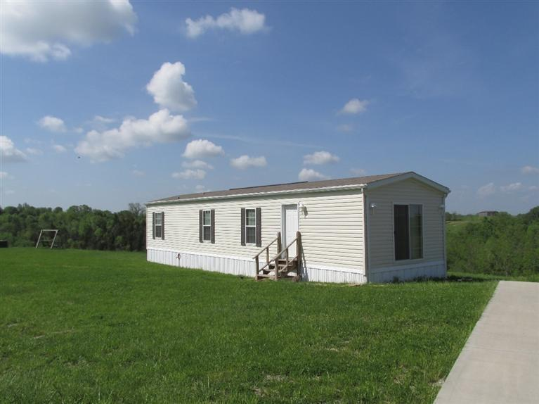 real estate photo 1 for 645 Mt Carmel Rd Williamstown, KY 41097