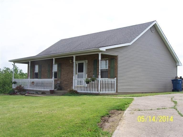 real estate photo 1 for 2100 Turner Rd Williamstown, KY 41097