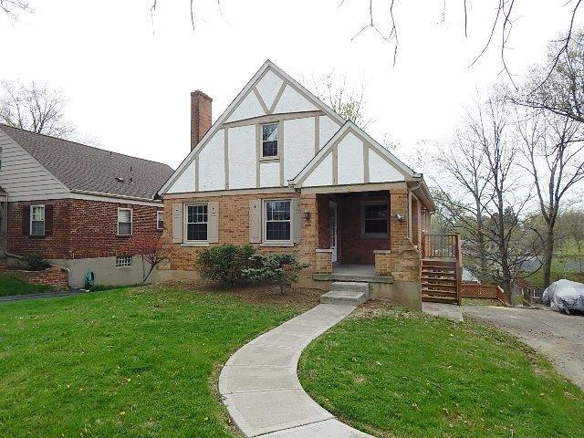 real estate photo 1 for 31 Thompson Ave Fort Mitchell, KY 41017