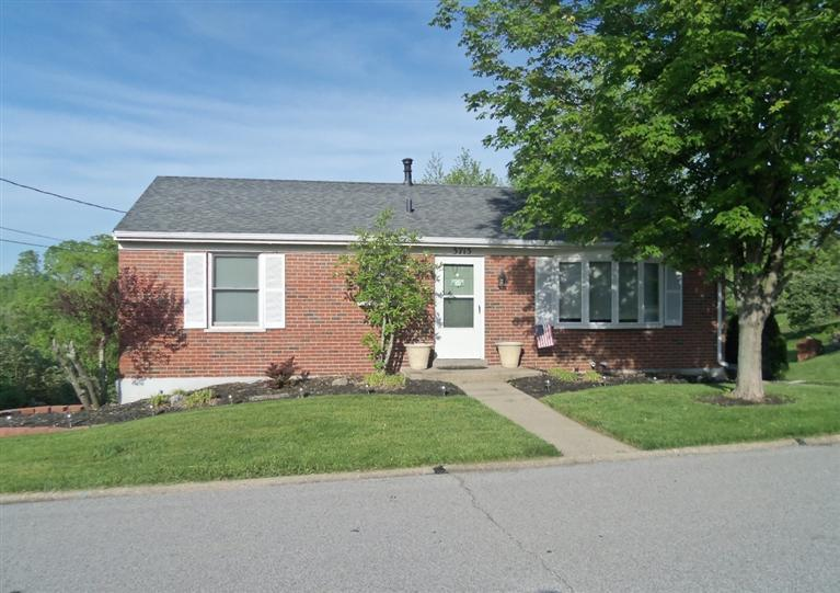 real estate photo 1 for 3713 Joyce Ann Ln Alexandria, KY 41001