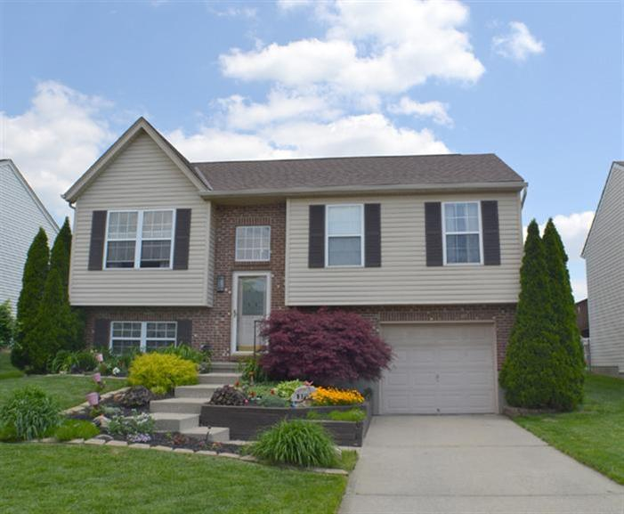 real estate photo 1 for 3712 Jonathan Dr Hebron, KY 41048