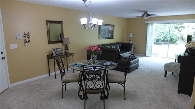 real estate photo 1 for 2286 Edenderry Dr, 102 Crescent Springs, KY 41017