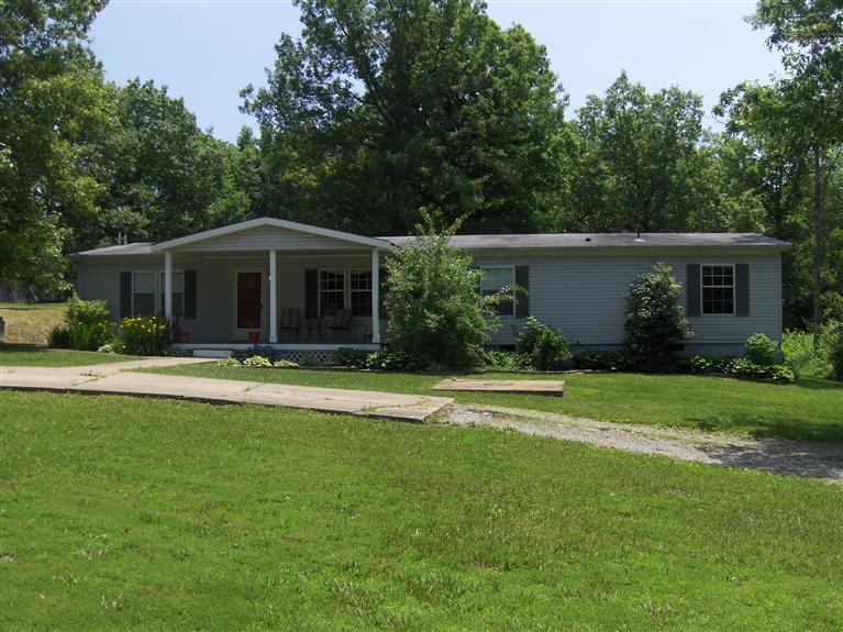 real estate photo 1 for 1890 White Chapel Rd Williamstown, KY 41097