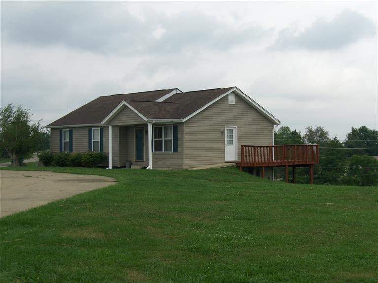 real estate photo 1 for 804 Humes Ridge Rd Williamstown, KY 41097