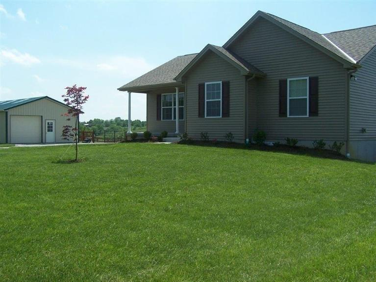 real estate photo 1 for 650 Harrison Rdg Dry Ridge, KY 41035