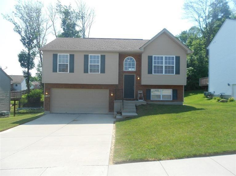 real estate photo 1 for 2836 Lauren Meadows Dr Hebron, KY 41048
