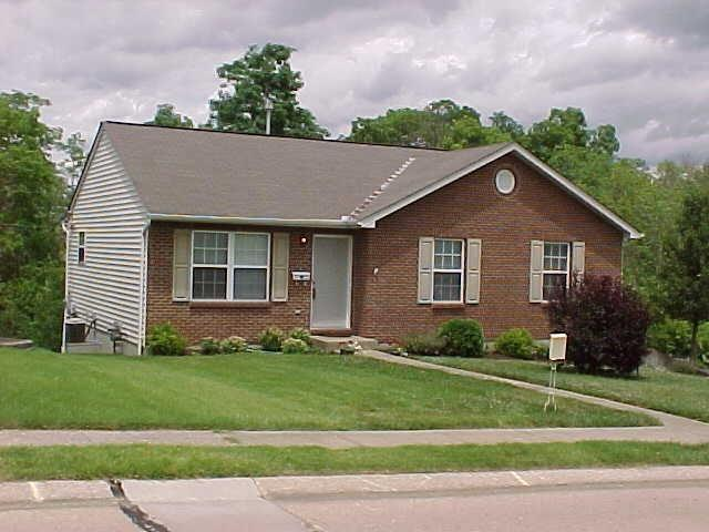 real estate photo 1 for 7024 Manderlay Dr Florence, KY 41042