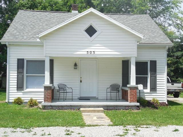 real estate photo 1 for 505 Barkley St Falmouth, KY 41040
