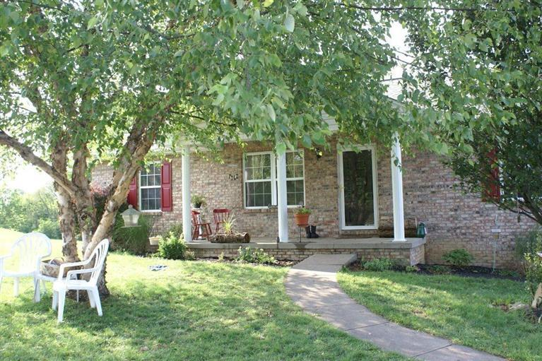 real estate photo 1 for 115 Hunters Rdg Warsaw, KY 41095