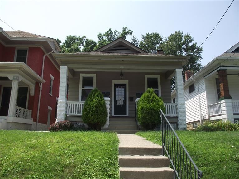 real estate photo 1 for 3533 Park Dr Covington, KY 41015