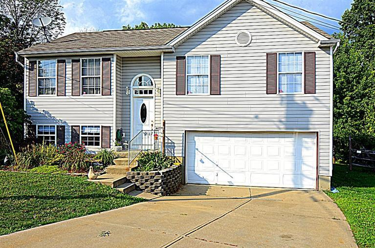 real estate photo 1 for 9117 Hawksridge Dr Covington, KY 41017