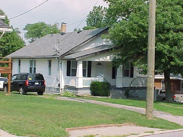 real estate photo 1 for 424 Kentaboo Ave, B Florence, KY 41042