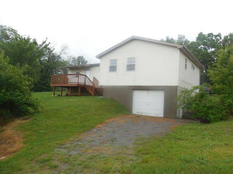 real estate photo 1 for 438 Barker Rd California, KY 41007