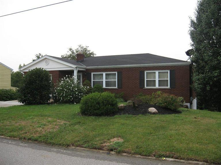real estate photo 1 for 307 Peggy Ann Ln Alexandria, KY 41001