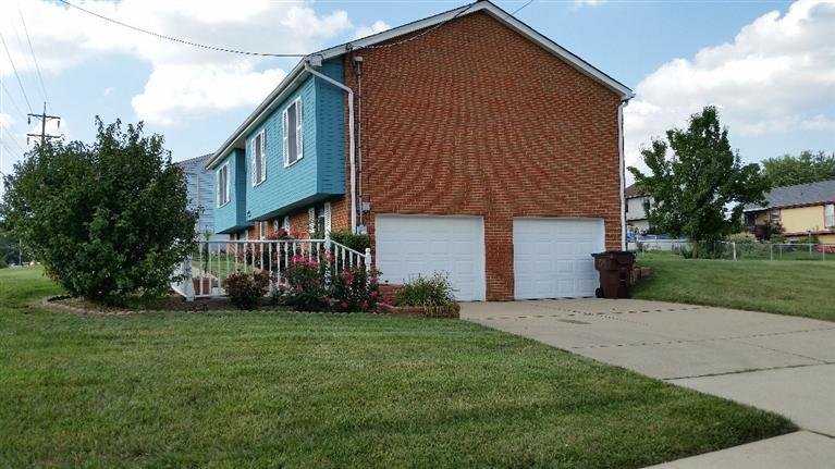 real estate photo 1 for 8576 Evergreen Dr Florence, KY 41042