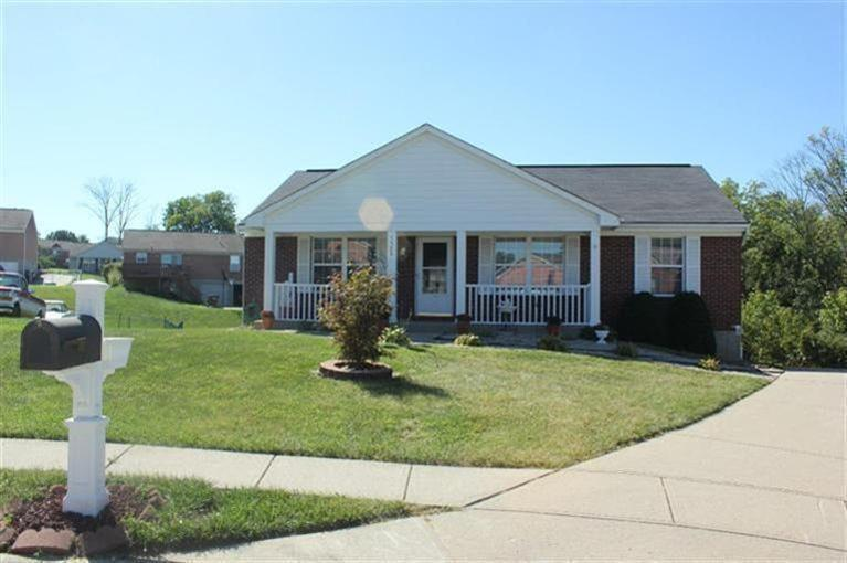 real estate photo 1 for 5320 Bedford Ct Independence, KY 41051