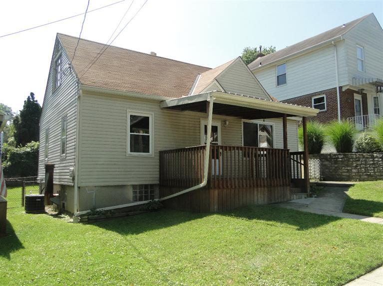 real estate photo 1 for 130 Cleveland Ave Bellevue, KY 41073