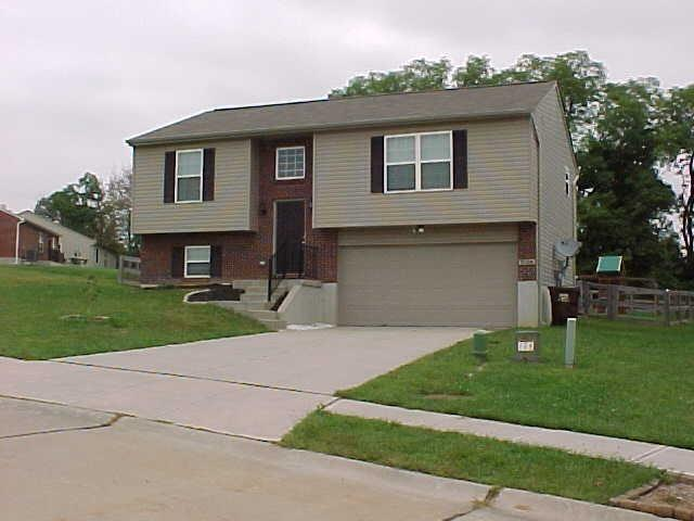 real estate photo 1 for 9104 Susie Dr Florence, KY 41042