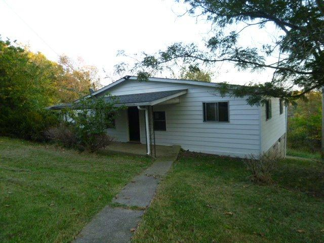 real estate photo 1 for 270 McFarland Dr Corinth, KY 41010