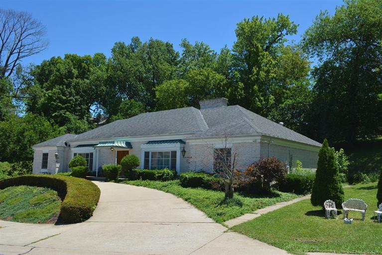 real estate photo 1 for 10 Fischer Ln Fort Thomas, KY 41075