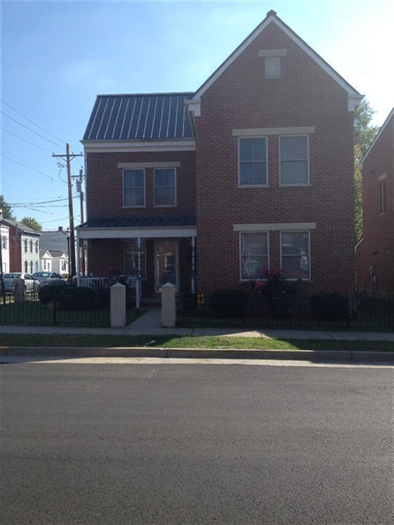 real estate photo 1 for 206 W 8th St Newport, KY 41071