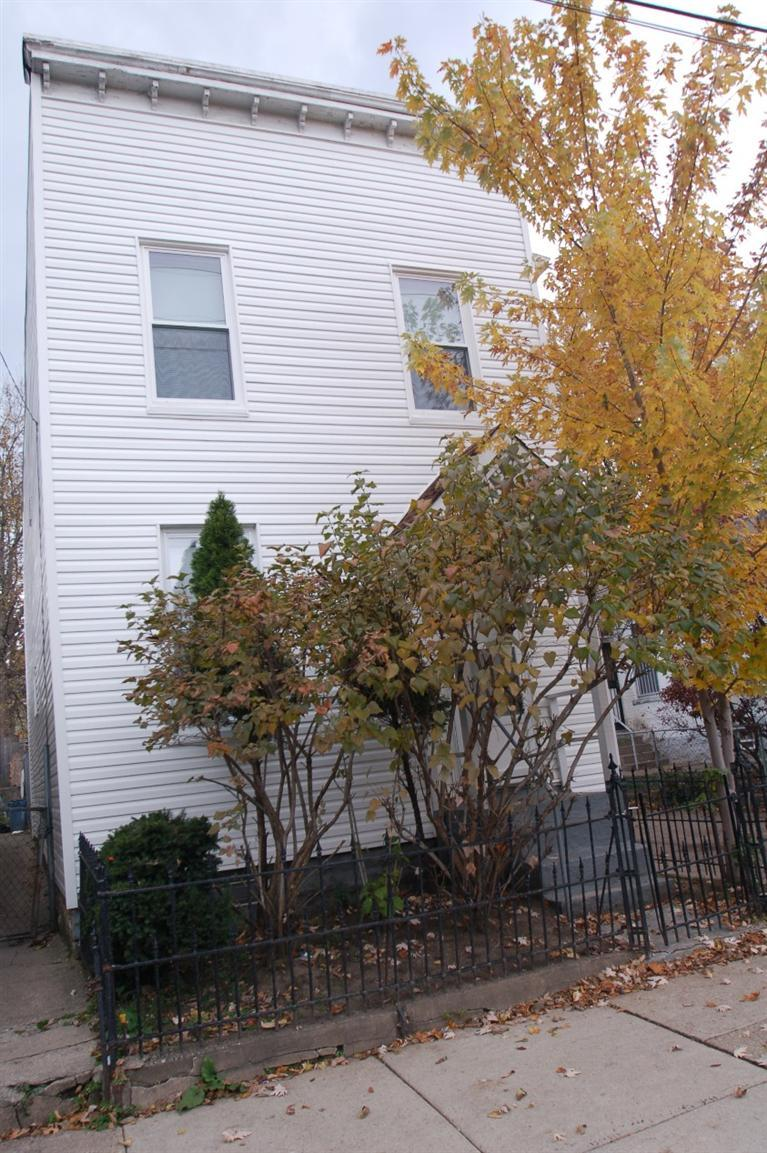 real estate photo 1 for 1421 Banklick St Covington, KY 41011