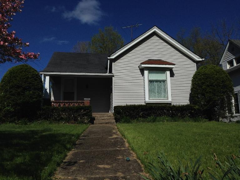 real estate photo 1 for 513 N Main St Williamstown, KY 41097