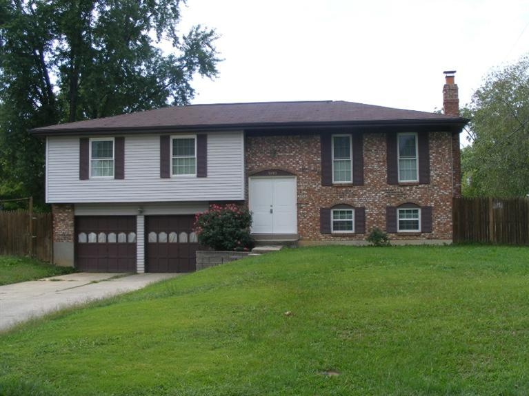 real estate photo 1 for 5095 Flintlock Dr Burlington, KY 41005