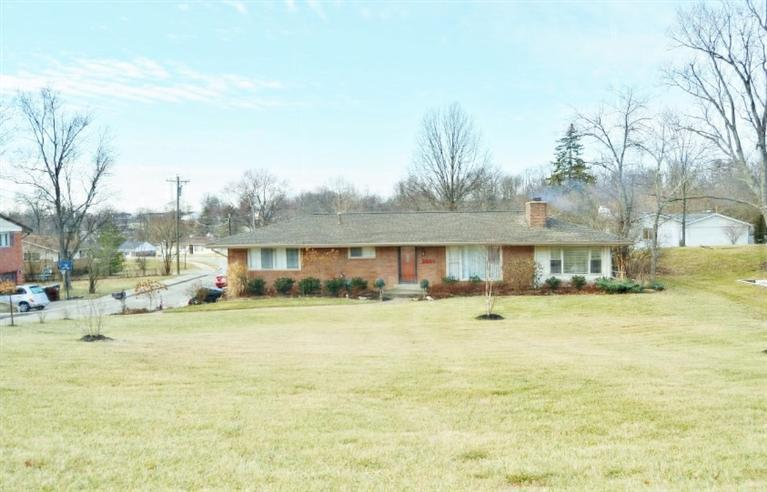 real estate photo 1 for 3033 Brookwood Dr Edgewood, KY 41017