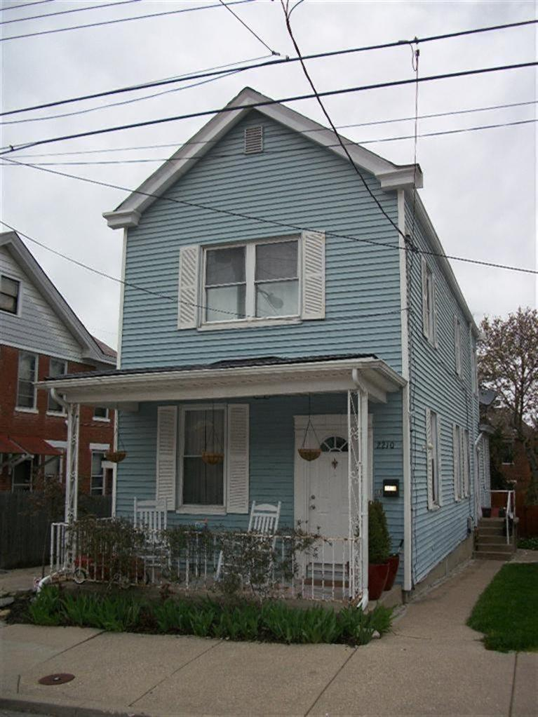 real estate photo 1 for 2210 Busse St Covington, KY 41014