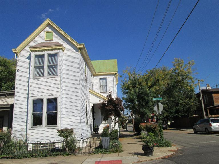 real estate photo 1 for 1016 Banklick St Covington, KY 41011