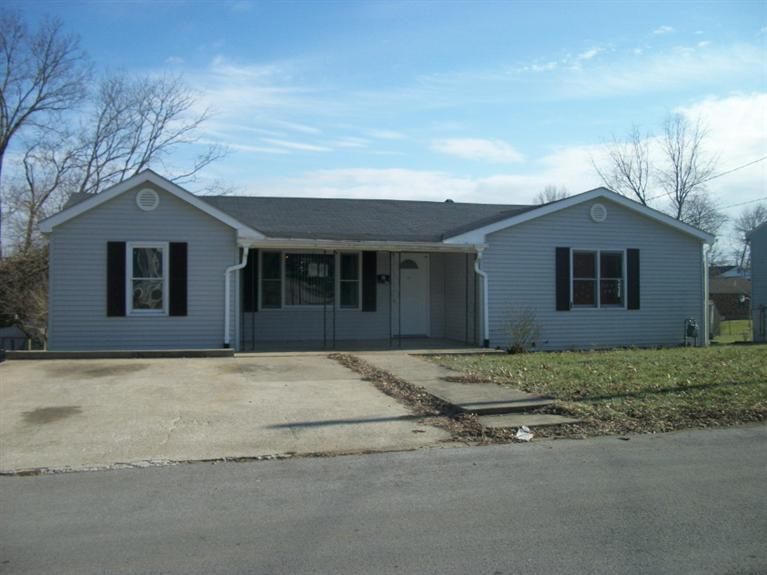 real estate photo 1 for 536 S Elmarch Ave Cynthiana, KY 41031