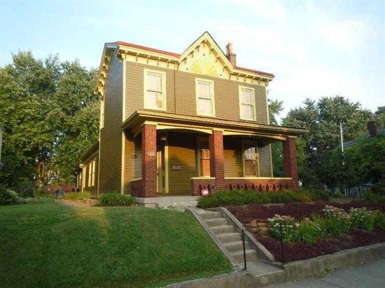real estate photo 1 for 1533 Scott St Covington, KY 41011