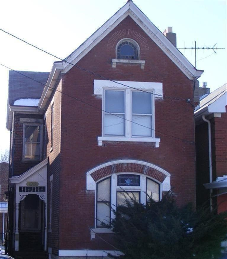 real estate photo 1 for 1915 Greenup St Covington, KY 41011
